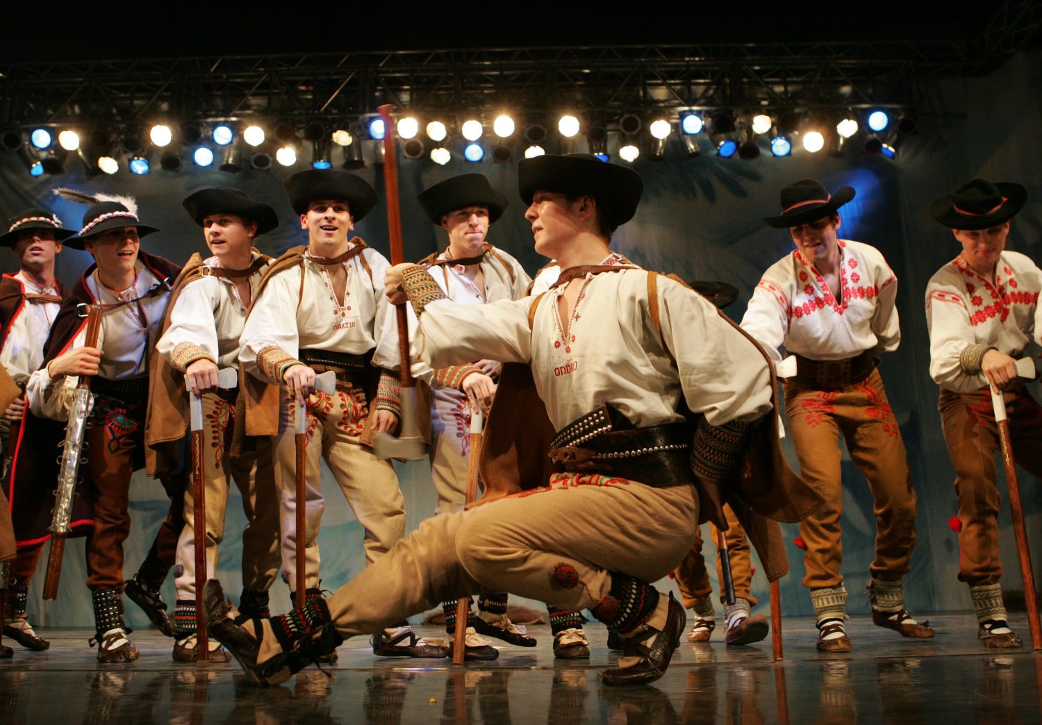 Lúčnica, Traditional hatchet dance (photo by Peter Brenkus)