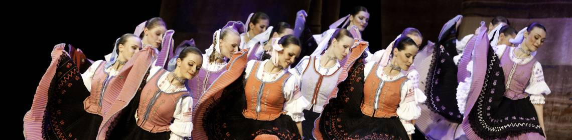 Lúčnica, Traditional dance Karicka (photo by Peter Brenkus)
