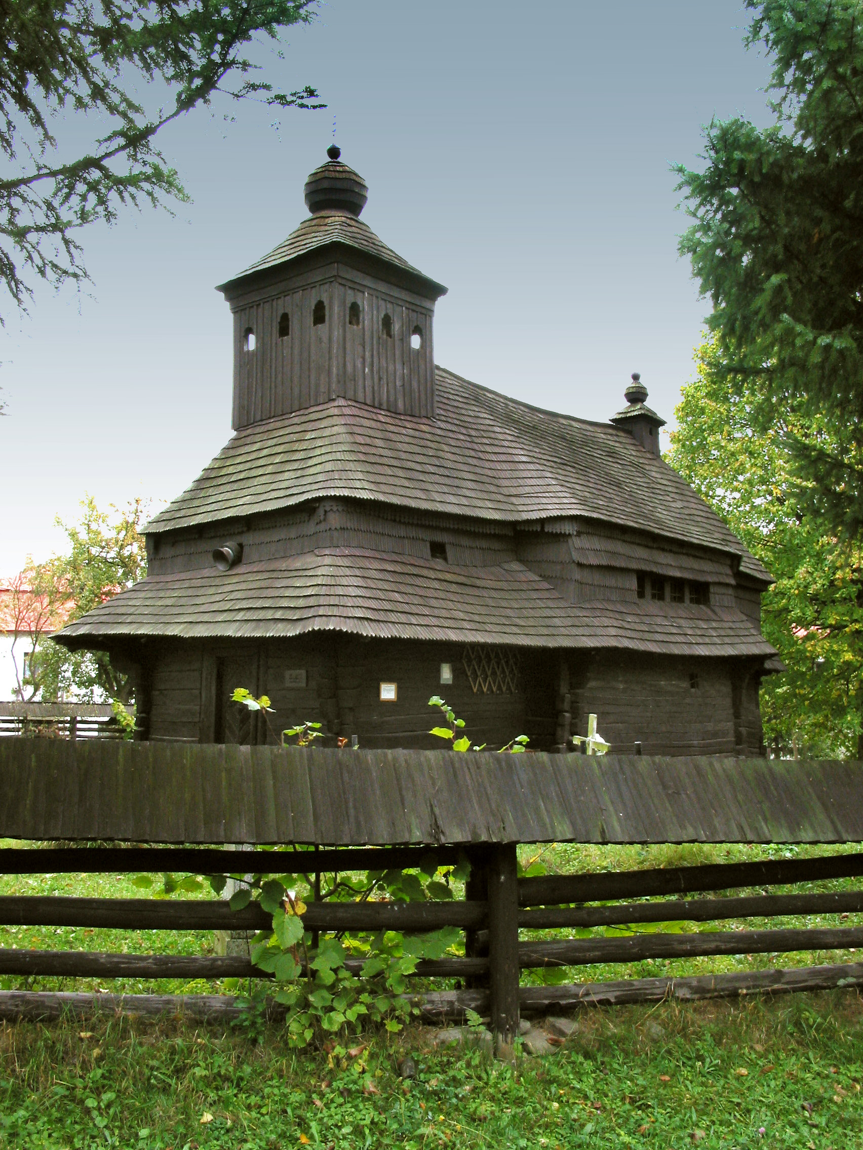 Greek Catholic Wooden Church of St Michael the Archangel at Uličské Krivé (photo by Peter Fratrič)