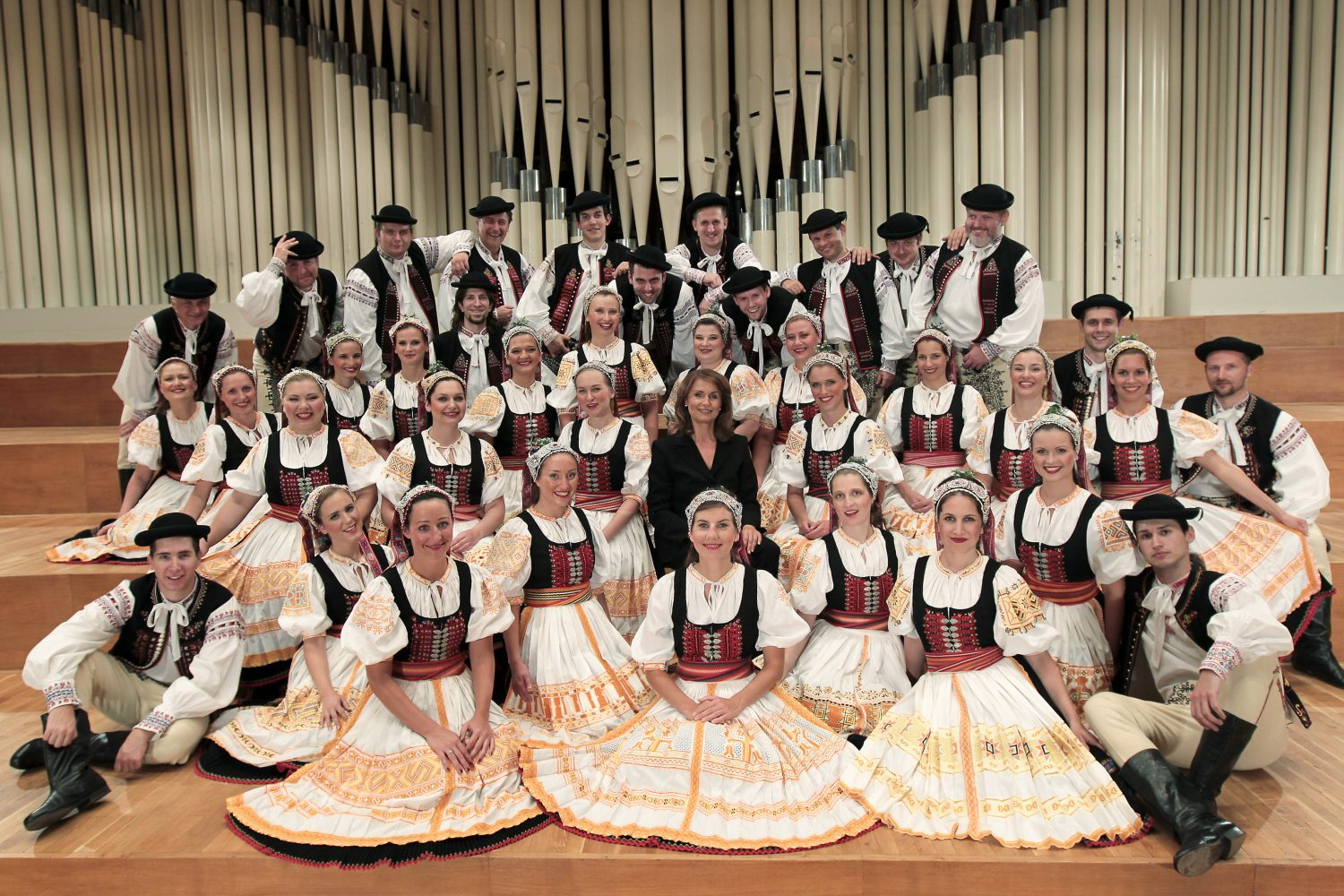 Lúčnica Chorus (photo by Ctibor Bachratý)