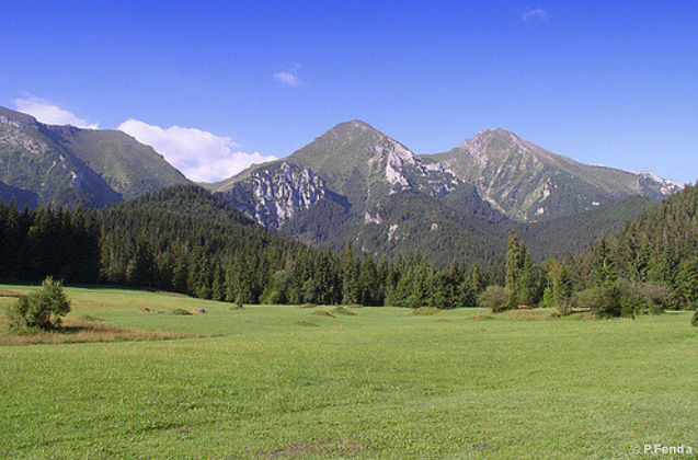 Ždiarska vidla and Havran hill, view from gamekeeper's house in Ždiar, Belianske Tatras (photo by Peter Fenďa)