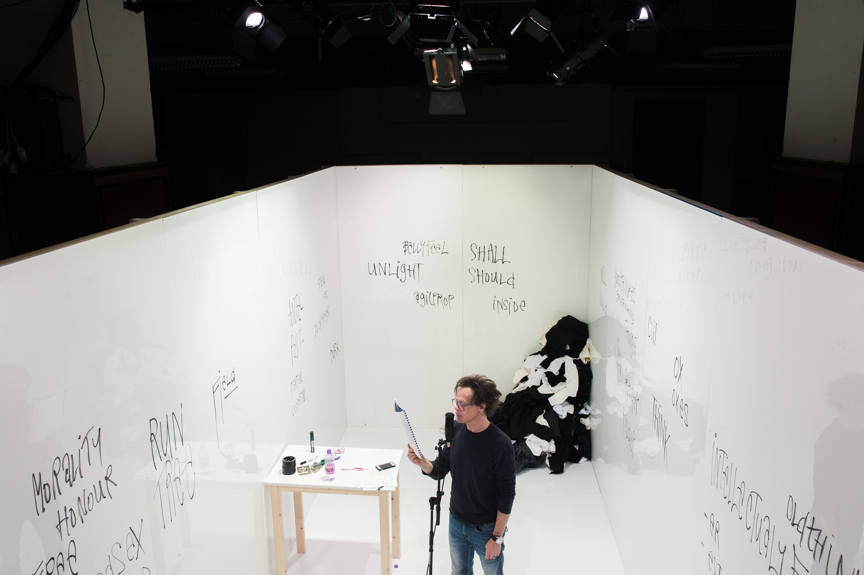 Principles of newspeak, STUDIO 12 (photo by Robert Tappert)